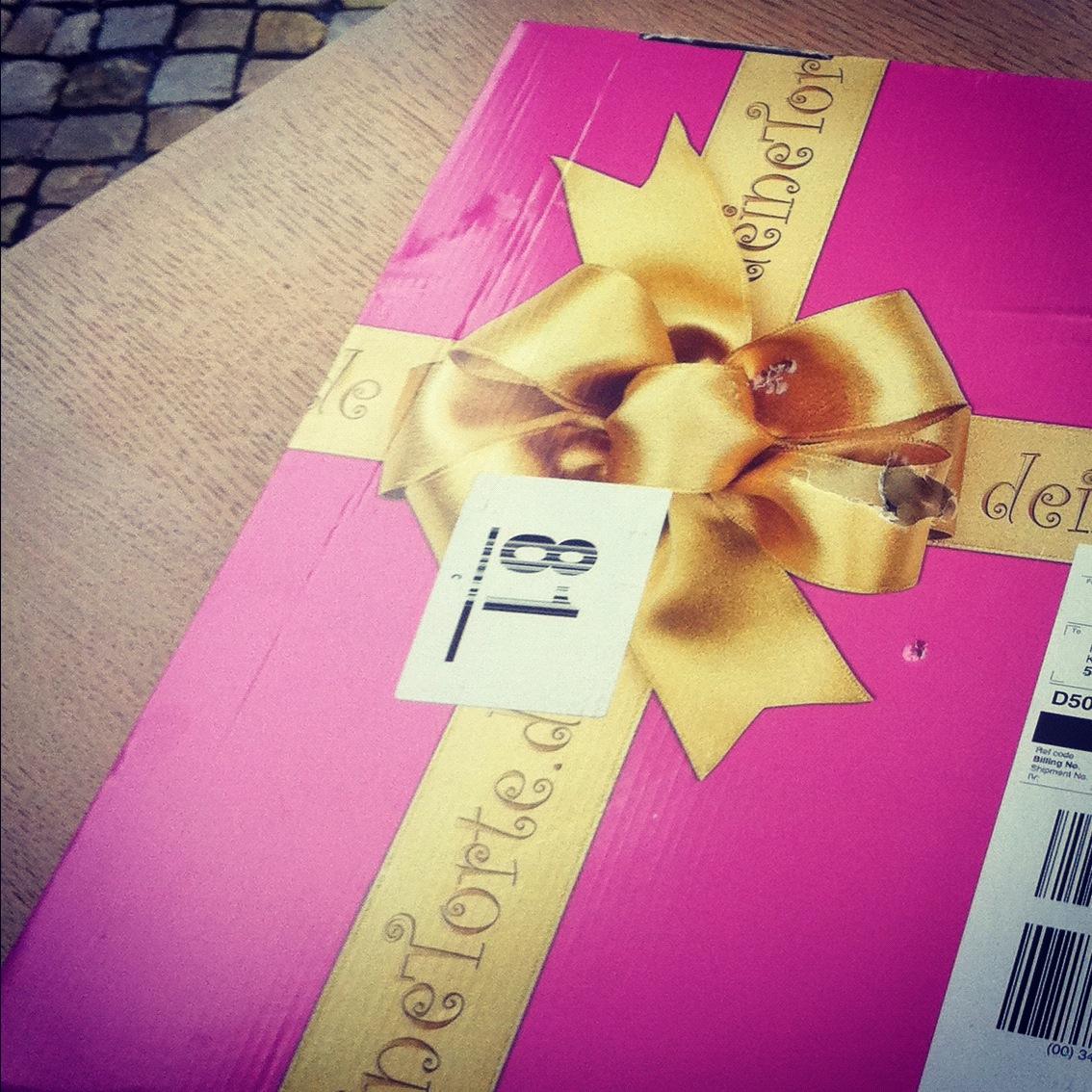 Süße Grüße anstatt Blumen / Kuchengrüße von DeineTorte.de - MissBonn ...