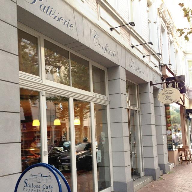 Sonntagnachmittage müssen ab jetzt immer nach Kaffee und Kuchen schmecken // Schloss Café in Poppelsdorf