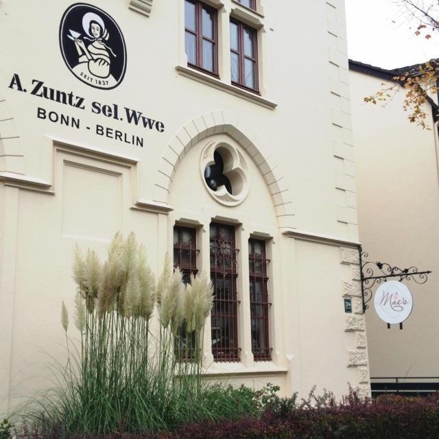 Viele Mädchen lieben Mae's Café // Veganes Café in der Südstadt