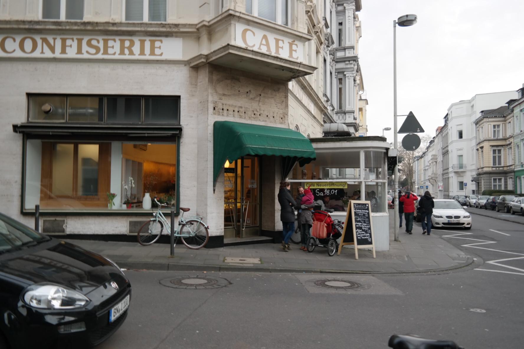 Im Sahneweiß ist's hausgemacht und ganz schön lecker // Café mit toller Atmosphäre in der City