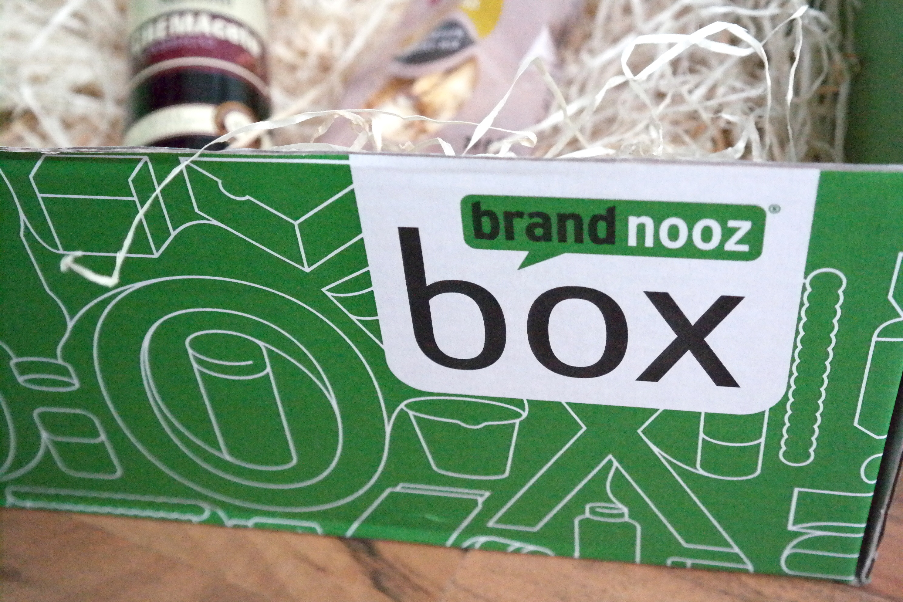 Und nochmal beschenken wir die Mamis // Brandnooz Charity Box: Goodnooz & GEWINNSPIEL
