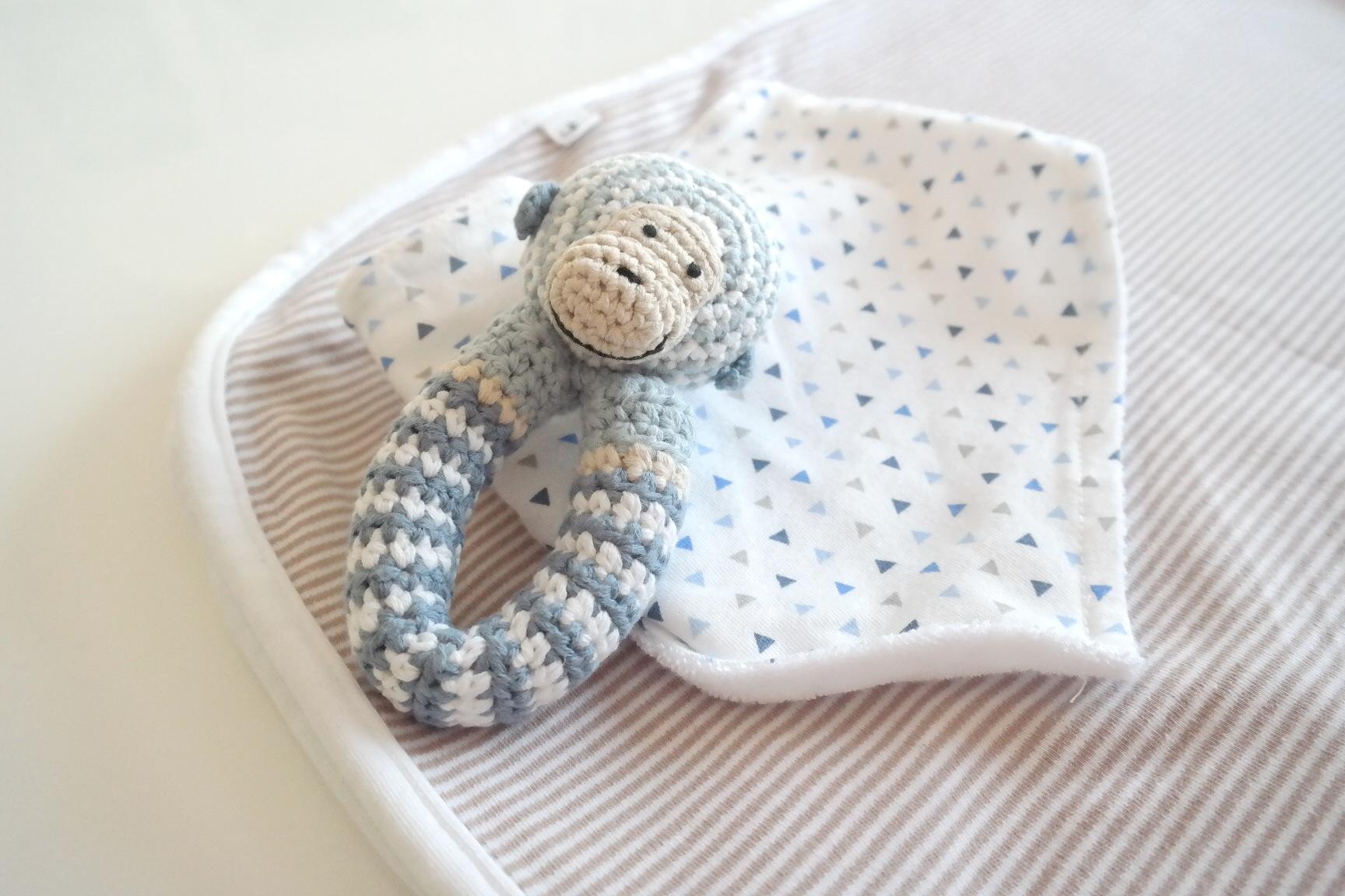 #Baby // Ich packe in meine Kliniktasche: Massageöl, dicke Socken, Energy Drinks, Schokolade, Babymützchen…