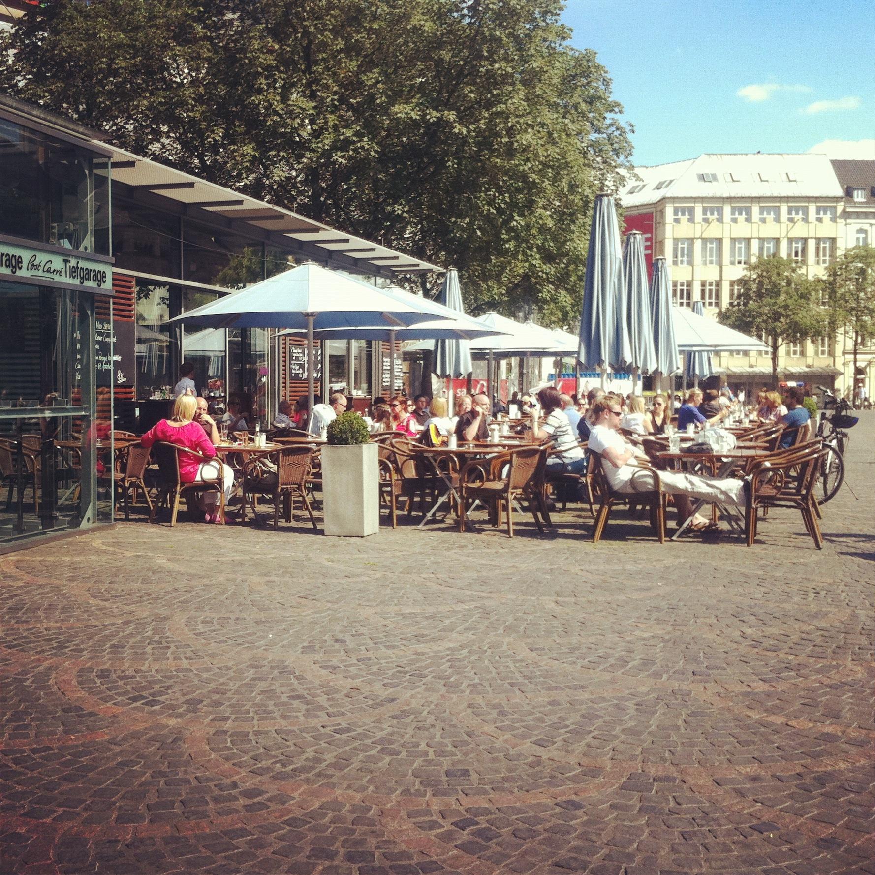 Frühstück mittendrin statt nur dabei // Das MIDI am Münsterplatz