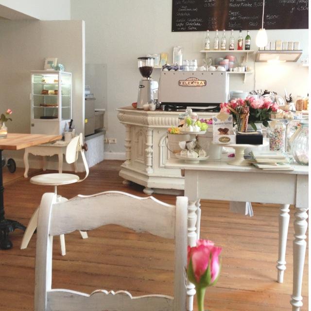 Ein Kleiner Detailverliebter Café Traum Café Lindentraum In Bad