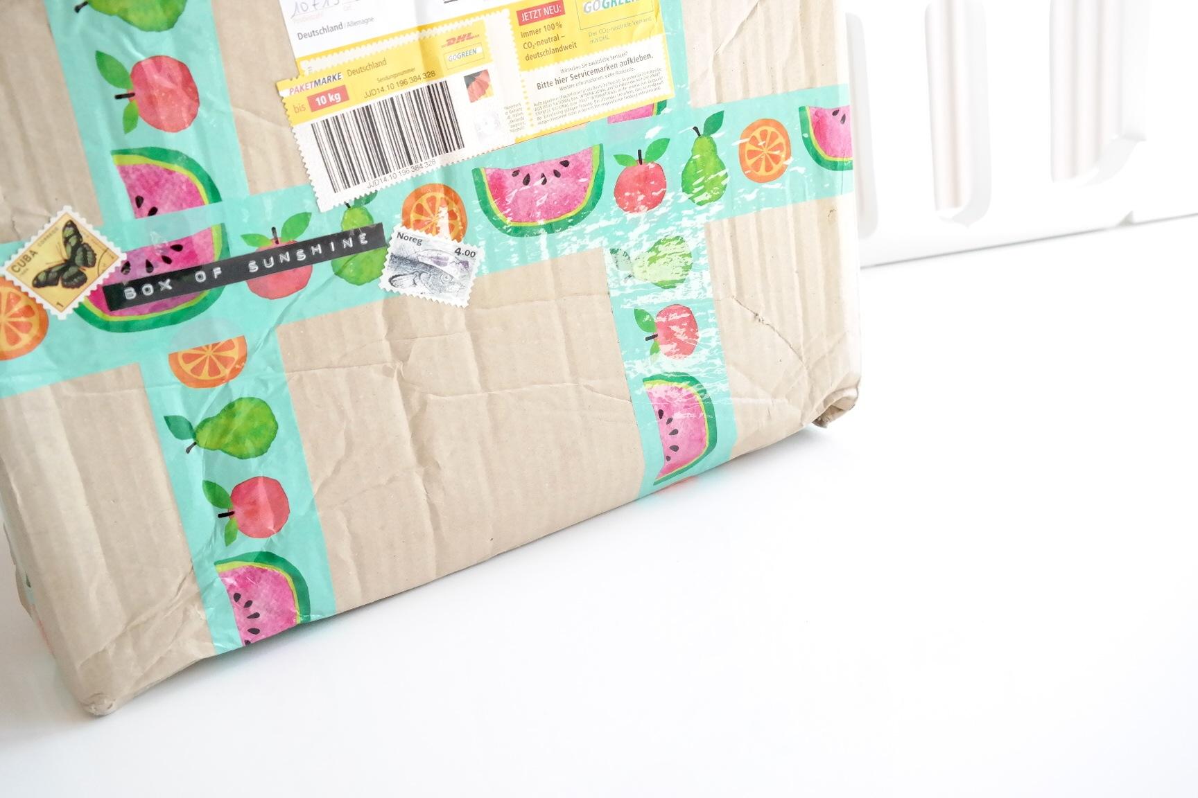 * Box of Sunshine * Die sommerliche Runde der Lovelylicious Box von & für Blogger :)
